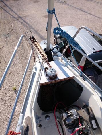 vertical windlass hanse 430