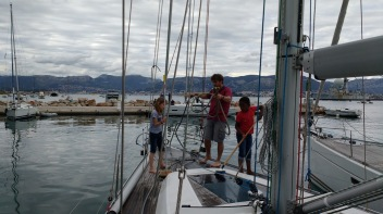 Soledad crew preparing the deck