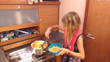 Preparing fabada